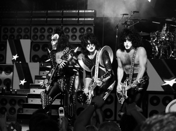 Kiss in Boston, 1984.  Credit: www.flickr.com/people/wok/